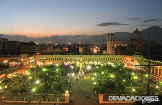 La capital de noche