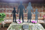 Monumento a las víctimas de la masacre El Mozote