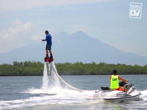 Flyboard en el Estero de Jaltepeque