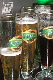 Degustación de cervezas durante el evento.