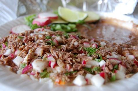 El salpicón, esa carne de res triturada y mezclada con rábano, cilantro, cebolla y limón, nos vuelve locos. Foto del blog http://virtuousandbeautiful.wordpress.com/