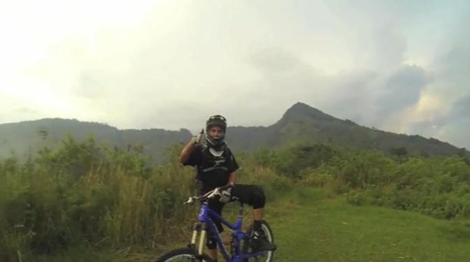 Pedaleando en El Salvador: la travesía desde Canadá
