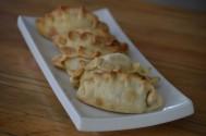RESTAURANTE BENITO. Empanadas de queso, espinaca, cebolla, carne y atun. Col. San Benito. Wilson U. (14)